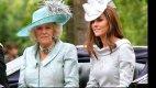 Charlesova druhá manželka Camilla s vévodkyní Kate.