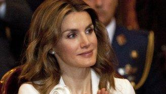 """Španělská královna Letizia (46) byla už jednou vdaná, na zakázaném potratu – a pak přijel """"princ na bílém koni"""""""