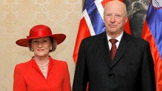 Harald V. (82) a Sonja (82): Trvalo dlouhých devět let, než norský královský pár dostal svolení k sňatku