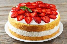 Šlehačkový dort s jahodami