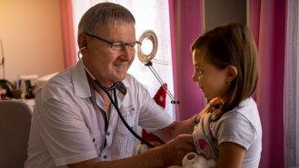 """MUDr. Ladislav Hanousek: """"Horečka není nemoc, je to příznak toho, že se organismus brání."""""""
