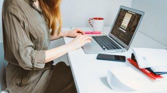 7 doporučení, jak se při práci z domova vyhnout bolavým zádům