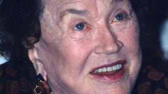 Julia Child (†91): Šéfkukařka, která se do 30 let bála kuchyně jako čert kříže