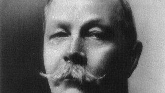 """Arthur Conan Doyle (71): Otec Sherlocka Holmese byl i autorem prvního """"Jurského parku"""""""
