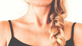Péče o pleť nekončí na bradě! Opravdový věk prozrazuje krk a dekolt