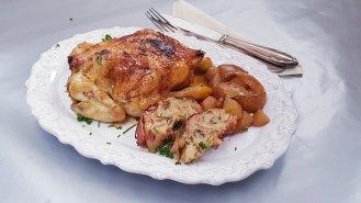 Francouzské mini kuřátko sjarní nádivkou a pečenými jablíčky