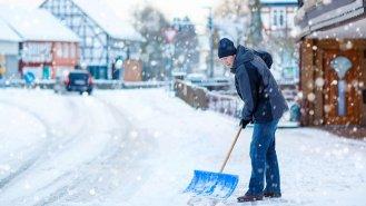 4 rady, jak správně uklízet sníh