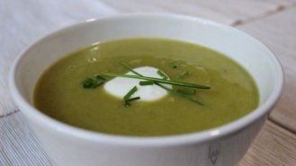 Hrášková polévka s fenyklem