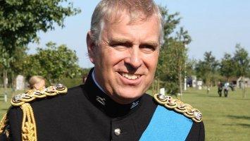 Princ Andrew (59): Nezdárný synek britské královny