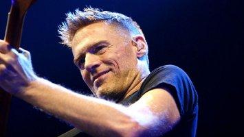 Bryan Adams: Slavný kanadský zpěvák slaví šedesátiny!