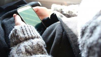 4 tipy, jak v zimě chránit chytrý telefon