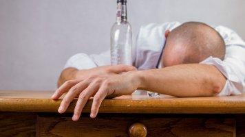 Příběh Evy (50): Můj zeť je líný flákač a opilec, který zkazil dceři život