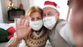 Jak se o Vánocích (ne)potkávat s rodinou a přáteli?