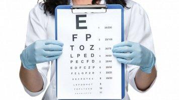 5 problémů se zrakem, které se objevují kolem padesátky