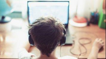 """6 tipů """"ajťáků"""" pro lepší on-line výuku i práci z domova"""