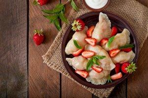 Taštičky zhaluškového těsta plněné jablky se skořicovým cukrem