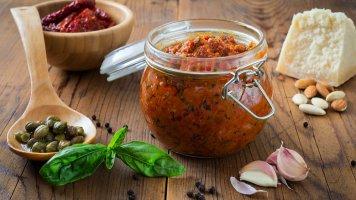 Domácí rajčatové pesto