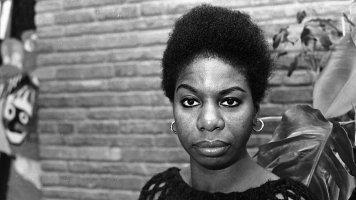 Nina Simone (†70): Když byla těhotná, manžel ji kopal do břicha
