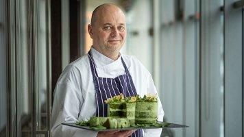 """Tomáš Kunovský: """"Baví mě, když se do pokrmu zapojí kromě chuti i sluch."""""""