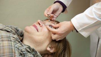 Post-covidový syndrom může zasáhnout i oči