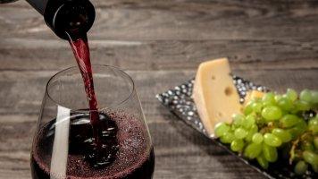 Desatero správného párování vína a sýrů