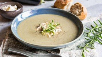 Krémová polévka zpečeného lilku sbalkánským sýrem