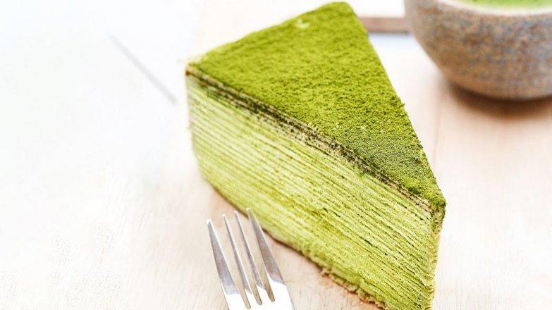 Palačinkový Matcha dort