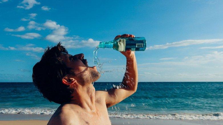 6 příznaků dehydratace: Jak poznáme, že jsme podcenili pitný režim?