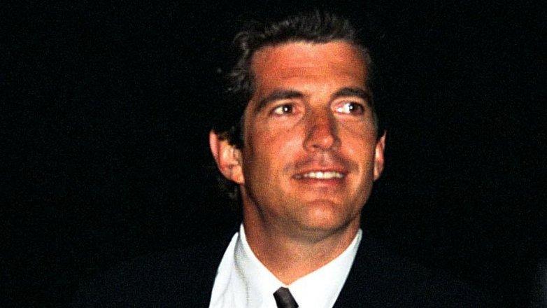 """John Kennedy Jr. (†38): Dvacet let od tragického úmrtí amerického """"korunního prince"""""""