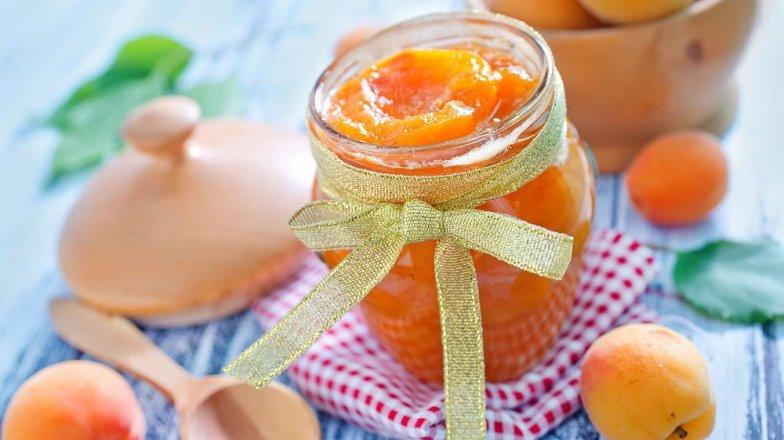 Meruňkový džem smandlemi a skořicí