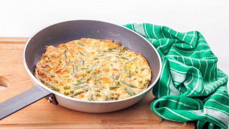 Omeleta s letní zeleninou a kozím sýrem