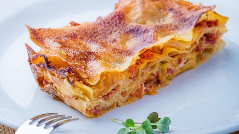 Lasagne se salsicciou a mozzarellou