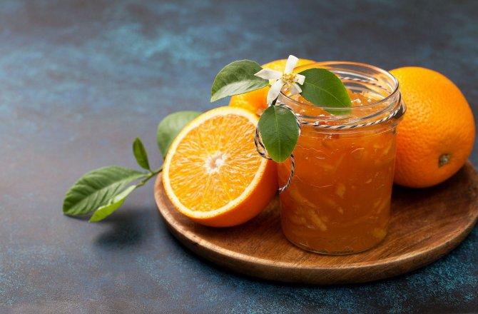 Pomerančová marmeláda s kapkou rumu