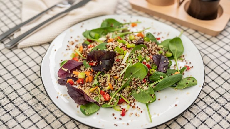 Zeleninový salát squinoou