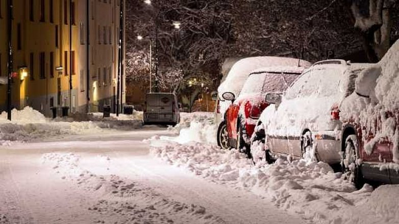 Řidičky a řidiči pozor. Začala zima!