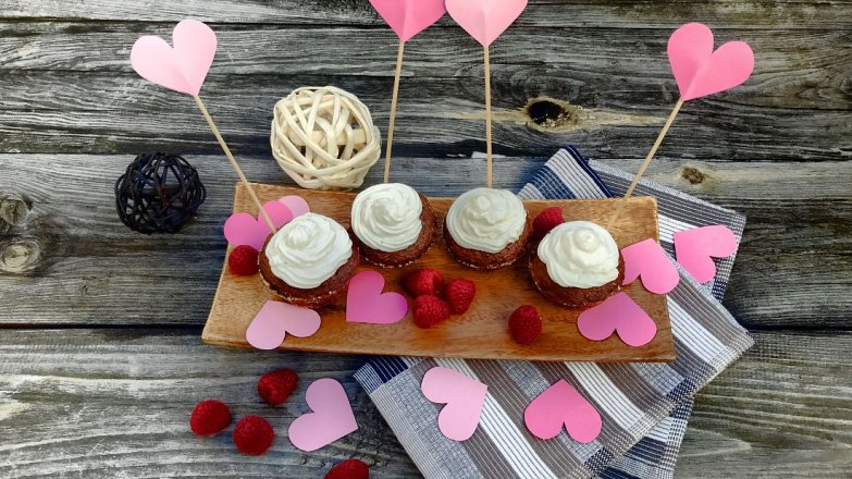 """Valentýnské """"red velvet"""" cupcakes"""
