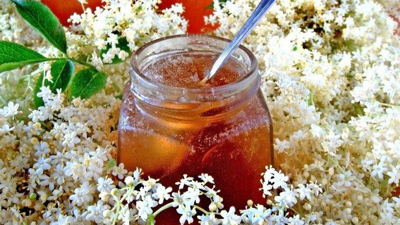 Jablečný džem s bezovými květy